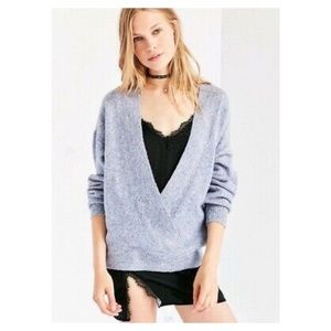 Silence and Noise deep V sweater size s